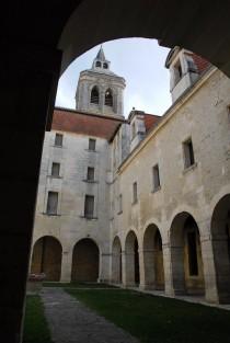 Cloître Saint-Léger