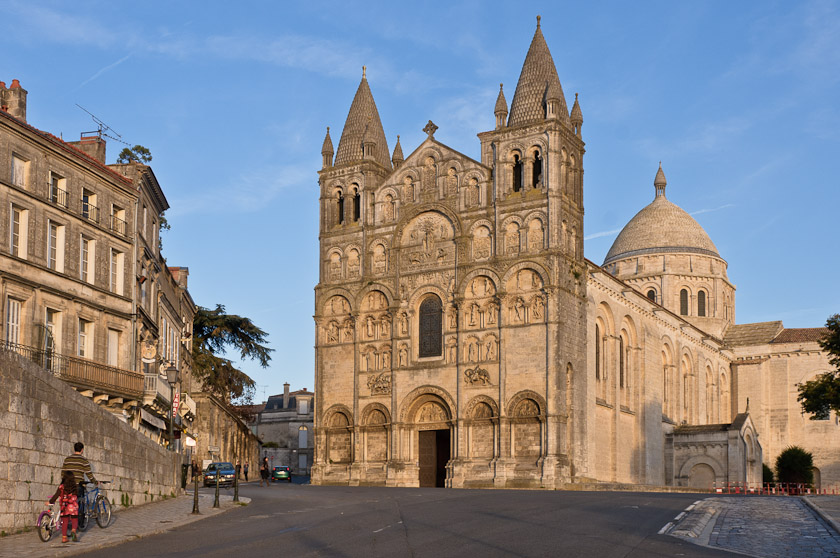 Angoul me cath drale st pierre photo charente for Angouleme 16